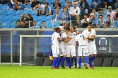Grêmio X Cruzeiro- O Cruzeiro foi a primeira equipe Brasileira a vencer o Grêmio na Arena