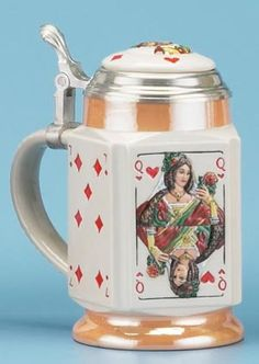 In this case, it's ok to show your cards with this playing card #beer stein.