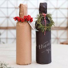 Dress Up Your Wine Gifts with These Creative DIY Gift-Wrapping Ideas - The kraft paper is a more eco-friendly option. Christmas Wine, All Things Christmas, Christmas Crafts, Christmas Decorations, Christmas Holidays, Christmas Carol, Wine Bottle Gift, Wine Gifts, Wine Bottle Wrapping