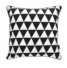 Poduszka bawełniana w czarno-białe trójkąty