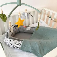 Meyco gebreide deken knots in stone green Baby Bedroom, Baby Boy Rooms, Baby Boy Nurseries, Green Kids Rooms, Baby Box, Baby Room Design, Baby Shower Diapers, Wishes For Baby, Baby Birth