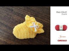 Meia crochê bebê Crochet Bebe, Crochet Hats, Crochet Baby Clothes, Slipper Socks, Baby Booties, Baby Dress, Diy And Crafts, Baby Kids, Crochet Patterns