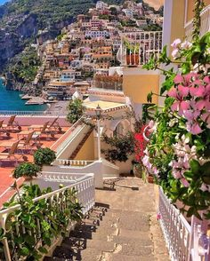 Benvenuto offers a variety of touring options to See Amalfi Coast. Enjoy the spectacular Amalfi Coast Italy Tours with Benvenutolimos Sorrento, Italy Vacation, Italy Travel, Beaux Arts Architecture, Amazing Architecture, Places Around The World, Around The Worlds, Beautiful World, Beautiful Places