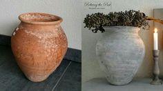 Maak van een oude aardewerken pot of vaas eenvoudig jouw perfecte budget landelijke kruikvaas! Gebruik krijtverf in jouw lievelingskleuren voor het mooiste resultaat.