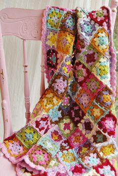 """very pretty crochet granny square blanket; """"The Maggie-Sophia Blanket"""" Granny Square Quilt, Granny Square Crochet Pattern, Crochet Squares, Crochet Granny, Crochet Yarn, Granny Squares, Scrap Crochet, Blanket Crochet, Crochet Motifs"""