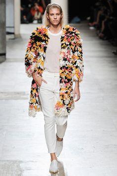 Barbara Bui Spring 2015 Ready-to-Wear Fashion Show - Devon Windsor (IMG)