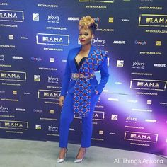 Yemi Alade was one of the co-host along side Bonang Matheba and Nomzamo Mbatha for the 2016 MTV Africa Music Awards. For Yemi Alade's outfit she wore African Print Fashion, African Fashion Dresses, African Dress, Fashion Prints, Fashion Outfits, Ghana Style, Printed Gowns, Fade Styles, Ankara Gowns