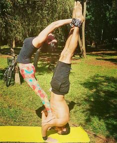 50 Amazing Couple Yoga Poses You Should Try With Your Love - Page 45 of 50 - Chic Hostess Yoga For Two, Yoga Poses For Two, How To Do Yoga, Couples Yoga Poses, Acro Yoga Poses, Partner Yoga, Yoga Challenge, Yoga Inspiration, Arco Yoga