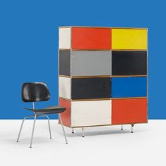 Primary colors pop in this ESU 400-C. Both the Storage Unit and DCM were part of #Eames Designs: The JF Chen Collection at @wrightauction. #mcm #vintage @jfchenantiques