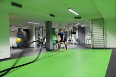 Auspowern mit den Battle Ropes in unserer Functional Fitness Hall Battle Ropes, Den, Fitness, Basketball Court, September, Training, Luxury, Work Outs, Excercise