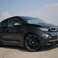 #bmwi3 #cool #nice #osaka #japan #amazing #awesome #photo #beautiful #nice #photooftheday