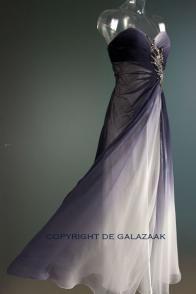 One strap galajurk met grijs/wit kleurverloop (2306) | De Galazaak - Galajurken en cocktailjurken in alle prijsklassen www.degalazaak.nl