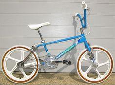 Oh boy > 1986 Haro Sport Haro Bikes, Haro Bmx, Women's Cycling Jersey, Cycling Bikes, Cycling Jerseys, Bicycle Storage Garage, Bmx Bandits, Vintage Bmx Bikes, Bmx Cruiser