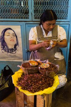Selling Chapulines,