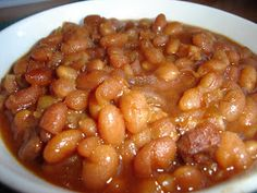 Fèves au lard à la mijoteuse Baked Bean Recipes, Pork Recipes, Veggie Recipes, Slow Cooker Recipes, Crockpot Recipes, Cooking Recipes, Vegetarian Recipes, Canadian Cuisine, Canadian Food