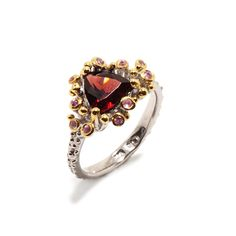 Ring mit Granat Heart Ring, Jewellery, Sapphire, Gold Paint, Beads, Silver, Ring, Jewels, Schmuck