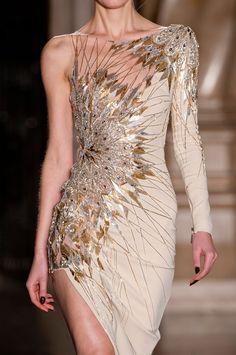 #CoutureDetails #HauteCouture #Couture #CoutureFashion #FashionDetails #FashionDesign
