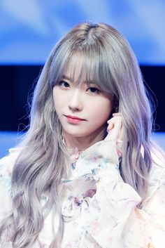 Discovered by Find images and videos about kpop, wjsn and cosmic girls on We Heart It - the app to get lost in what you love. Cute Korean, Korean Girl, Asian Girl, Korean Beauty, Asian Beauty, Wjsn Luda, Kpop Hair, Yuehua Entertainment, Cosmic Girls