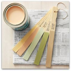 Great way to clear out old used up paint cans and organize your household paint colors. Use stir sticks to recall your paint colors. Write paint name and number on end of stick, along with what you painted. Bundle with sticks with twine. Do It Yourself Furniture, Do It Yourself Home, Do It Yourself Organization, Organization Hacks, Organizing Ideas, Organising, Organizing Life, Martha Stewart Home, Do It Yourself Inspiration