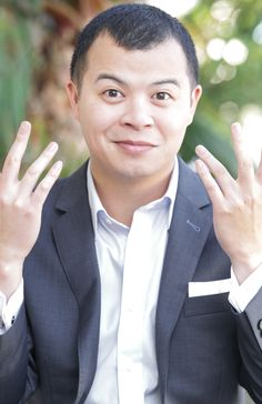 Loy Lee doesnt know what to do with his hands like Ricky Bobby in Talladega Nights