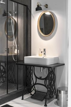 sewing table sink (by houzz at planetedeco) Simple Bathroom Designs, Bathroom Design Small, Bathroom Interior Design, Home Decor Kitchen, Diy Home Decor, Room Decor, Bad Styling, Bad Inspiration, Bathroom Styling