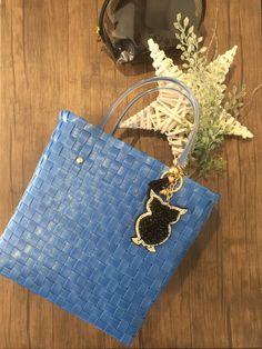 SOIE   Asesoría de Imagen   Collares   Colombia - Tienda Online   Zuncho Bag Navy Blue @soie_co SOI•È SOIE #soieauthenticfashion Plastic Baskets, Plastic Bags, Blue Bags, Hermes Kelly, Collars, Navy Blue, Diy, Fashion, Ideas