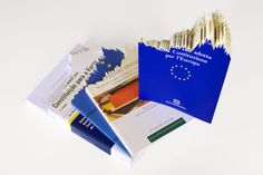 Ana Moya. In Varietate Concordia. Books I, 2014. Publications of the European Constitution in language: Portuguese, Italian, Greek and Spanish. Cut manually with the graphical form of the Risk Premium (2008-2012) for each country. Variable dimensions