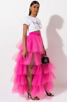 Back View Literally Amazing Tulle Maxi Skirt in Neon Fuchsia Look Fashion, Womens Fashion, Fashion Design, Mode Hijab, Looks Style, Cute Casual Outfits, Skirt Outfits, Couture Fashion, Barbie