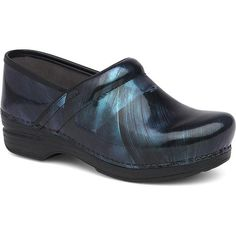 Ultimate Comfort And Performance Give This Iconic Clog Silhouette What You Need For A Long Day On Your Feet. A Removable Cushioned Footed And Slip-Resistant Out