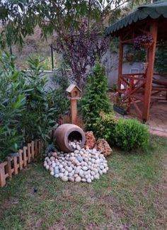 28 stunning spring garden ideas for front yard and backyard landscaping 00023 Garden Yard Ideas, Diy Garden, Spring Garden, Garden Projects, Backyard Ideas, Patio Ideas, Garden Decorations, Garden Beds, Garden Whimsy