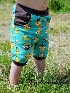 """Freebook """"meine erste Hose"""" schmal geschnittene kurze oder lange Hose für Kinder 50 - 92 nähen"""