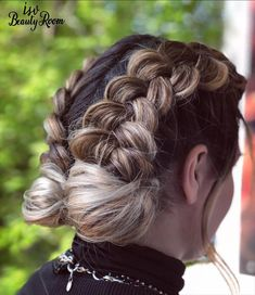 #isvbeautyroom #isvteam #festival #look #balayage #blonde Bohemian Hairstyles, Dreadlocks, Make Up, Hair Styles, Beauty, Hair Plait Styles, Hair Makeup, Makeup, Hairdos