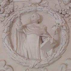 Photo Instagram de BibliotecaDomenicana • 31 janvier 2021, 08:49 Saint Dominic, Photo Instagram, Sculpture, Statue, Art, Saints, Santo Domingo, Art Background, Kunst