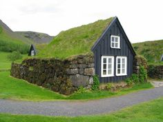 Icelandic turf houses (are cute and surprisingly cozy). via zme science