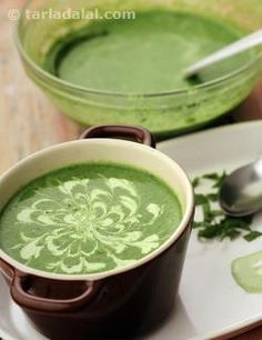 Cream of Spinach Soup features a blend of spinach, onions and chillies combined with white sauce and fresh cream, all of which gives it a milky flavour and rich mouth-feel. Cream Of Spinach Soup, Italian Orzo Spinach Soup, Spinach Lentil Soup, Spinach Tortellini Soup, Creamy Spinach, Spinach Recipes, Healthy Soup Recipes, Cooking Recipes, Cooking Time