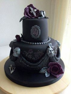 Gothic Birthday Cakes, 10 Birthday Cake, Beautiful Birthday Cakes, Beautiful Cakes, Amazing Cakes, 21st Birthday, Birthday Cookies, Girl Birthday, Bolo Halloween