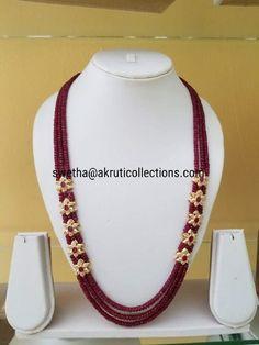 Pearl Necklace Designs, Jewelry Design Earrings, Beaded Jewelry Designs, Gold Earrings Designs, Gold Jewellery Design, Bead Jewellery, Ruby Beads, Gold Jewelry Simple, Jewelry Model