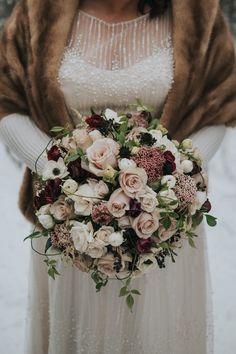 Winter Bridal Bouquets, Winter Bouquet, Bride Bouquets, Flower Bouquet Wedding, Rose Wedding, Bridesmaid Bouquet, Floral Wedding, Wedding Shot, Wedding Dj