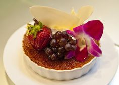 Vanilla Bean Creme Brulee (by KTL Photography)