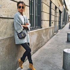 wanderer / wearing cardi + saint laurent bag/shoes from location: Rue Jacob Winter Outfits, Casual Outfits, Fashion Outfits, Womens Fashion, Casual Clothes, Saint Laurent Bag, Carrie Bradshaw, London Fashion, Autumn Winter Fashion