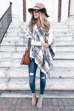 Affordable Fall Poncho 2017 - A Must Have Accessory - PIN THIS! affordable Fall poncho 2017 Source by - Casual Winter Outfits, Fall Casual Dresses, Plaid Fall Outfits, Women Fall Outfits, Fall Hats For Women, Winter Fashion Casual, Summer Outfits, Mode Outfits, Fashion Outfits