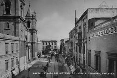 By Victor F. Denaro & partially updated by vassallomalta Valletta Rooftops Republic Street, Valletta Republic Street , formerlyKingsway and Strada Reale, stretches throughout the length of Val...