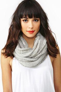 écharpe mode hiver Styles De Coiffures, Ongles, Salon De Coiffure, Frange,  Echarpe a163aca592d