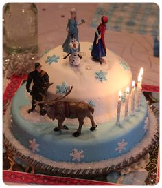 Frozen Birthday Eiskönigin Geburtstag 3rd Birthday Cakes, Frozen Birthday Cake, Frozen Party, Fondant Figures, Disney Frozen Cake, Cake Decorating Piping, Girl Cakes, Themed Cakes, Cake Art