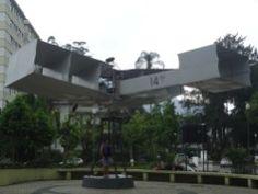 Réplica do avião 14 Bis, na praça de mesmo nome, em Petrópolis.