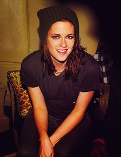 K-stew, we're all waiting.  come-to-neverland:  lesbian-shipper-ox:  All straight girls dress like that, totes…  Just come out of the closet already.  Before the picture even loaded I knew it had to be her.