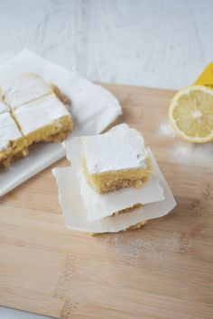 This recipe for keto lemon bars is an absolute low carb dream! This recipe for keto lemon bars is an absolute low carb dream! Dessert Bars, Keto Dessert Easy, Dessert Recipes, Cookie Recipes, Lemon Desserts, Low Carb Desserts, Low Carb Recipes, Free Recipes, Cheesecake Brownies