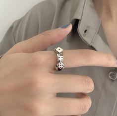 #grungerings #grungejewelry #aestheticrings #aestheticjewelry #coolrings #dicering Index Finger Rings, Ring Finger, Aesthetic Fashion, Aesthetic Clothes, Aesthetic Outfit, Aesthetic Rings, Knuckle Rings, Midi Rings, Body Painting