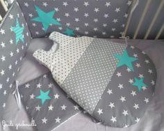 Tour de lit étoilé composé de 3 panneaux réversibles et gigoteuse assortie 0-6mois, en tissu gris/bleu/blanc étoilé, uni, et à pois. A assortir avec les pochons, le mobile, - 4293181