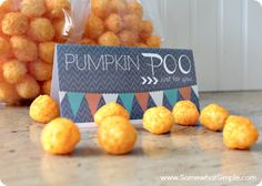 Pumpkin Poo- A Halloween Snack for Kids - Somewhat Simple Halloween Movie Night, Halloween Snacks For Kids, Halloween Party Treats, Easy Halloween Decorations, Halloween Birthday, Holidays Halloween, Happy Halloween, Halloween College, Halloween Stuff